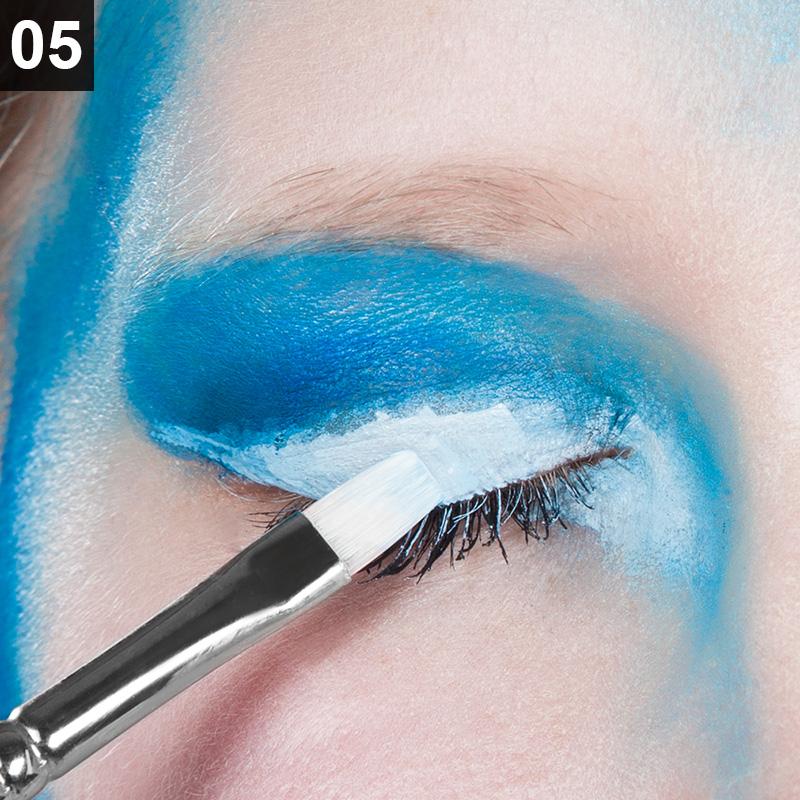 Eisiges Märchen-Make Up für Karneval
