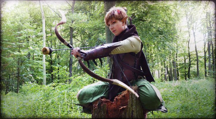 Gute Kleidung ist bequem und engt die Waldläuferin nicht ein!