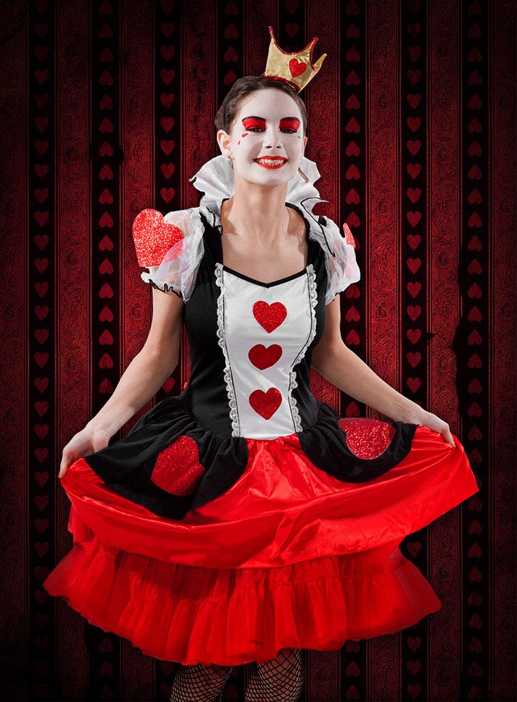 Alice im Wunderland Herzkönigin Kostüm und make up