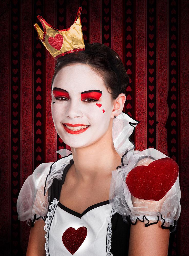 Alice im Wunderland Herzkönigin schminken make up Anleitung