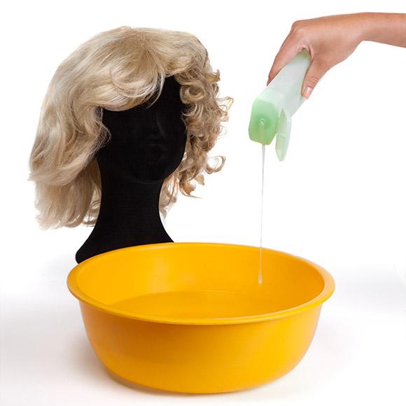 Perücken waschen: Schritt 1