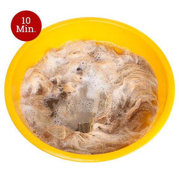 Perücken waschen: Schritt 2