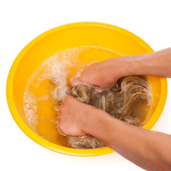 Perücken waschen: Schritt 3