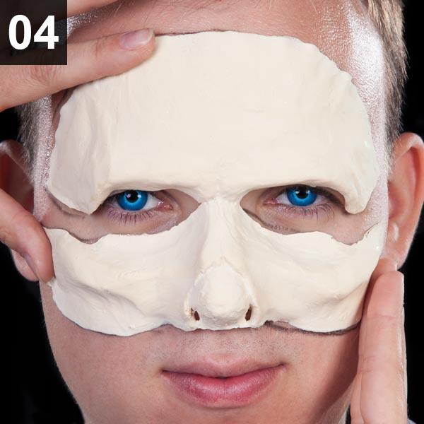 Untiten Maske für Halloween Schminktipp Weißer Wanderer