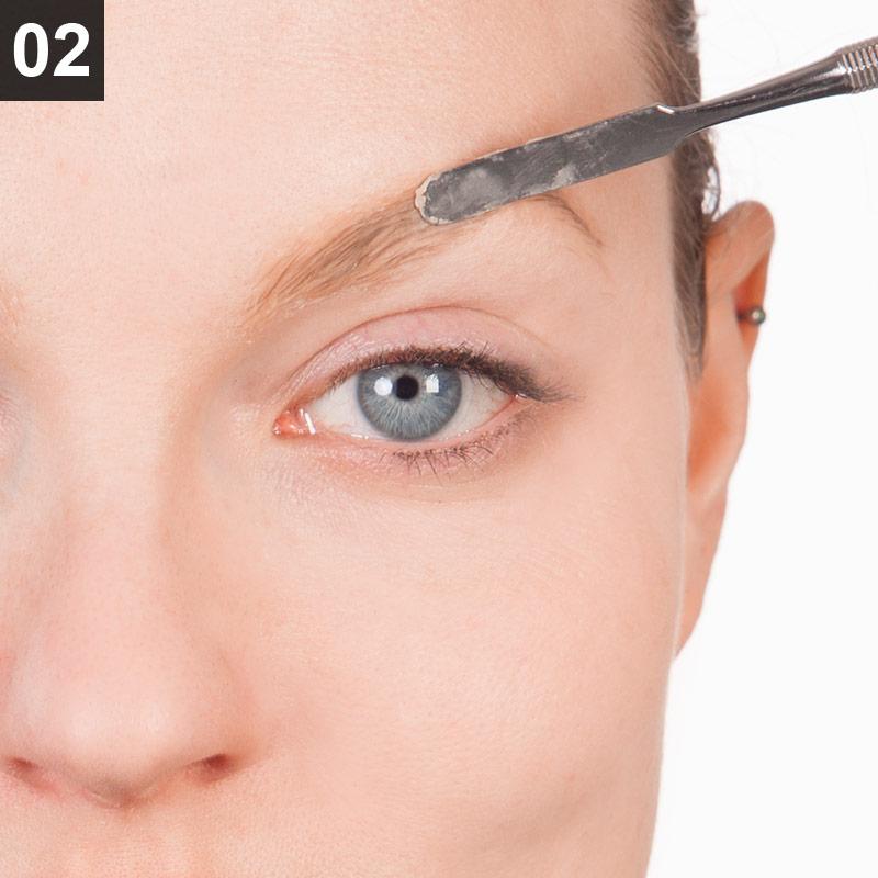 Make-up Rote Königin Schritt 2