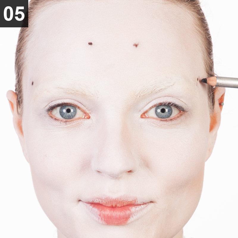 Make-up Red Queen Schritt 5
