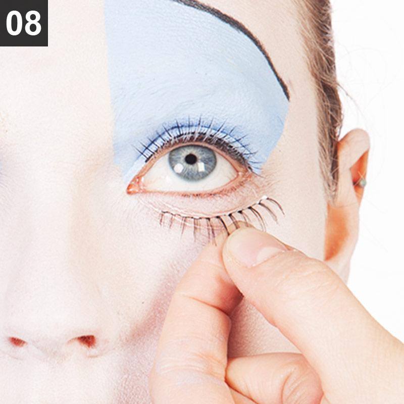 Rote Königin Make-up Anleitung Schritt 8