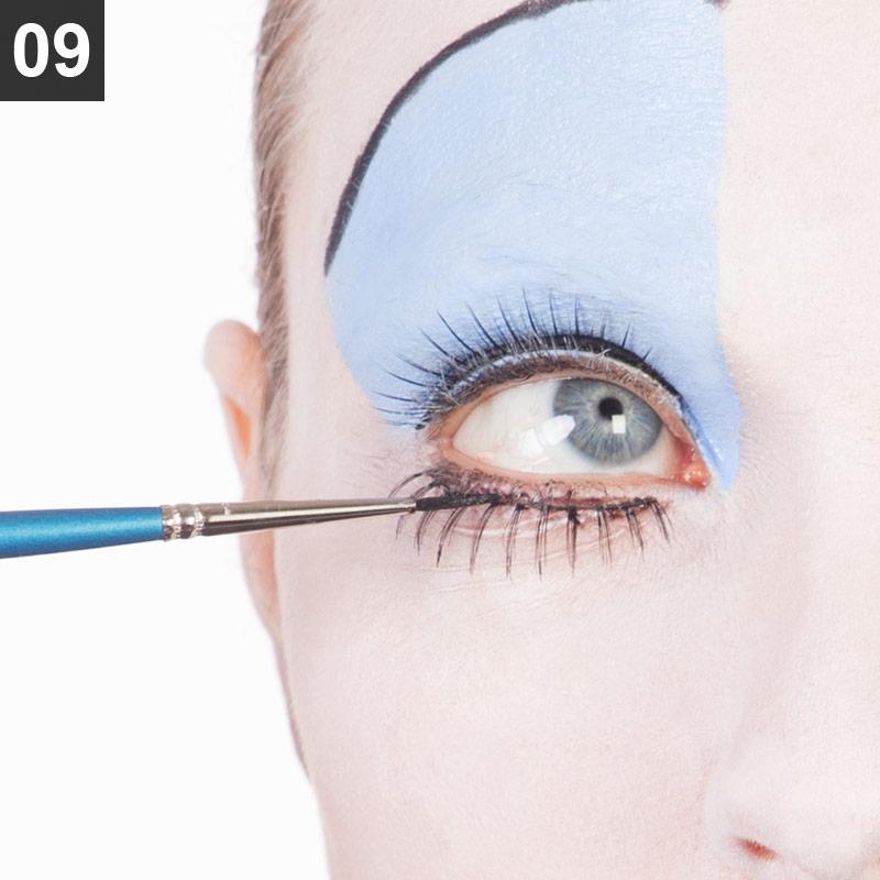 Make-up Anleitung Red Queen Schritt 9