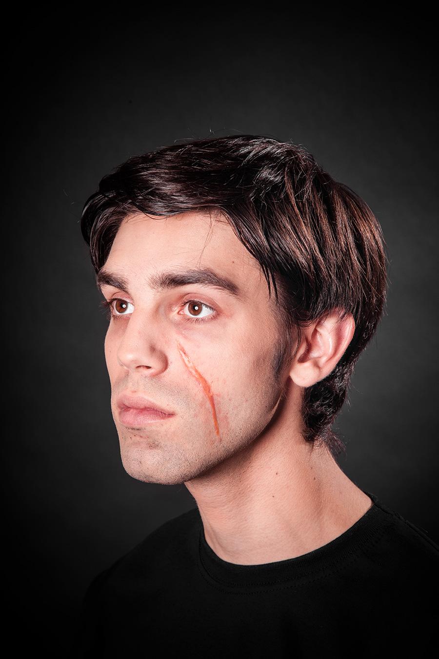 Halloween Narben schminken mit Tuplast