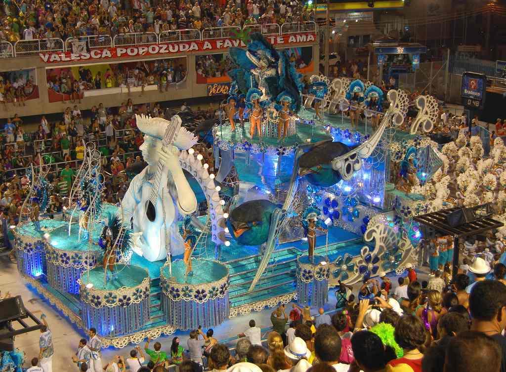 brasilien karneval festwagen