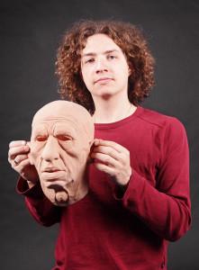 Die Maske der langen Spitzen des Haares